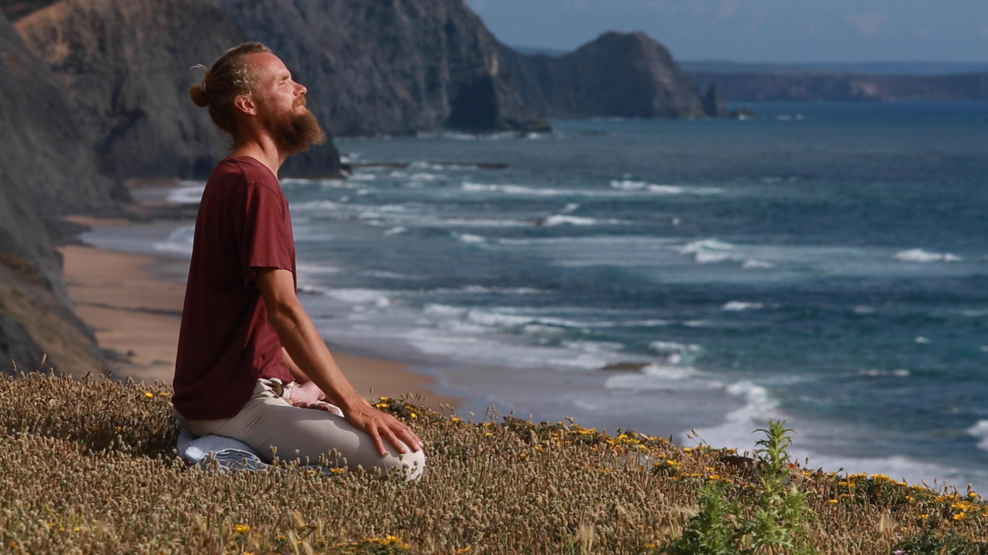 sitting%20on%20cliff%20meditation%20looking%20up0