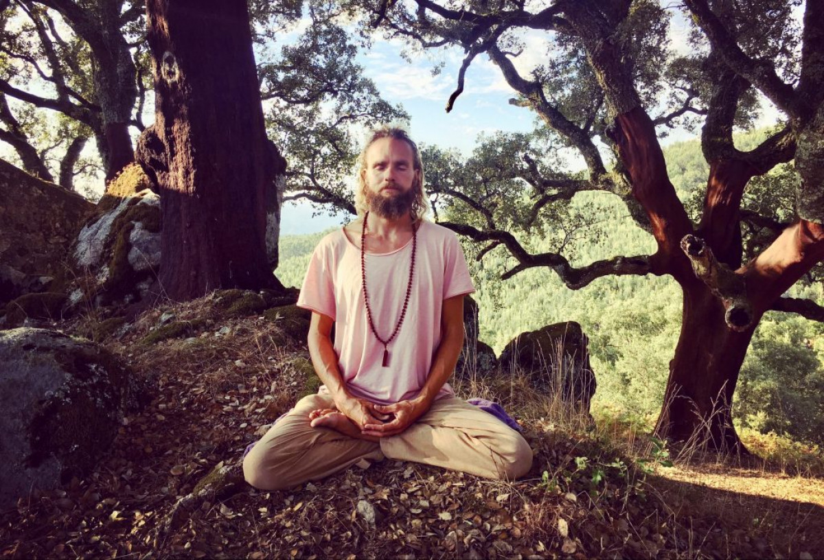 online meditation course scaled e1583942010297 1024x696