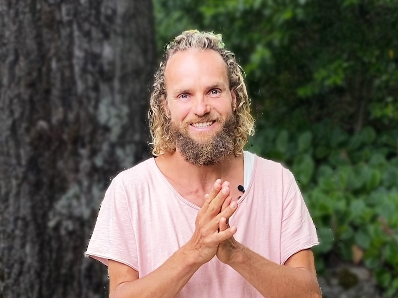 Meditation center instructor Michaël Bijker